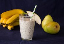 banana and pear smoothie